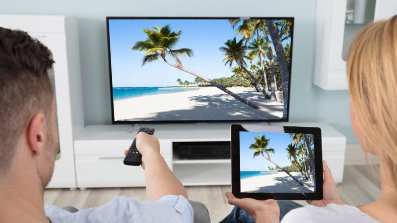How to connect tablet to Smart TV wireless
