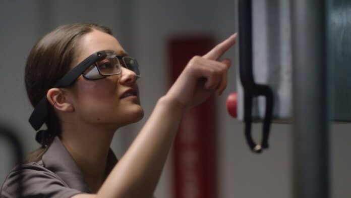 Google Glass Enterprise Edition 2 is still alive and is easier to buy now