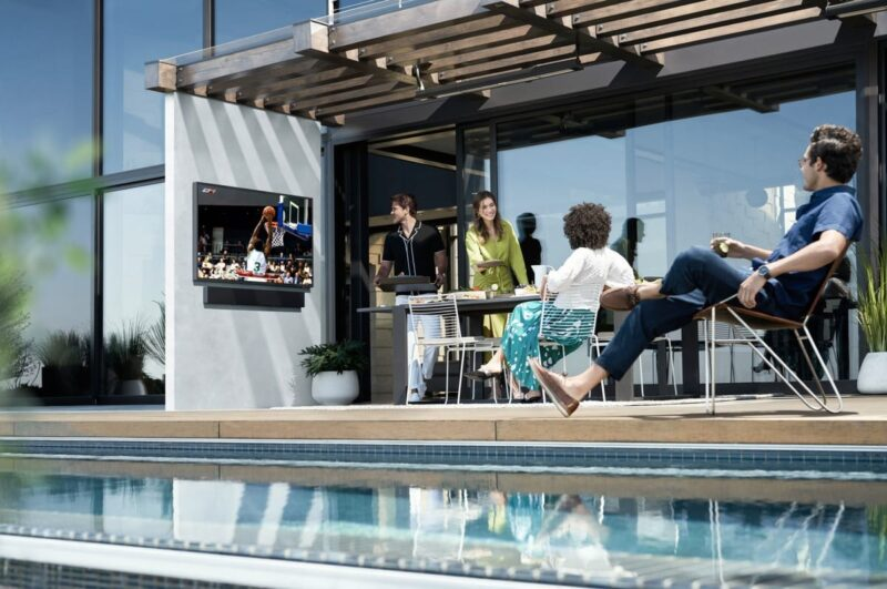 Samsung presents an outdoor TV capable of withstanding any weather