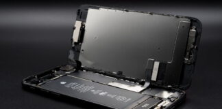 How many iPhone components are made by Samsung?