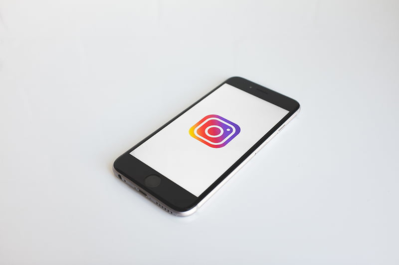 How to block direct messages on Instagram?
