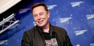 """Elon Musk says: """"Stop wasting time on PowerPoint"""" at WSJ CEO Summit"""