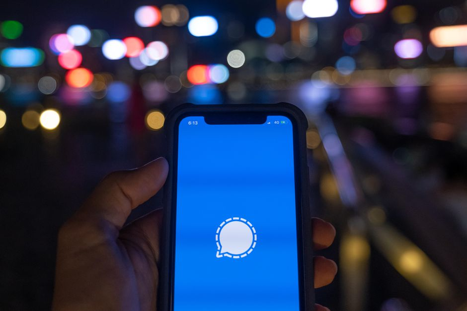 How to block a contact on Signal?
