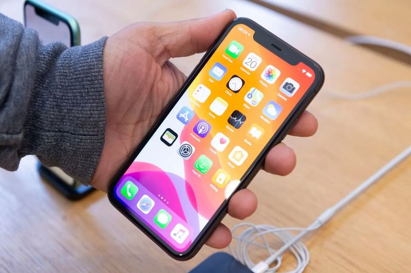 4 years after Android, Apple could remove the notch from iPhone 13