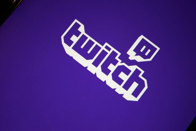 What is Twitch purple screen error and how do I fix it?