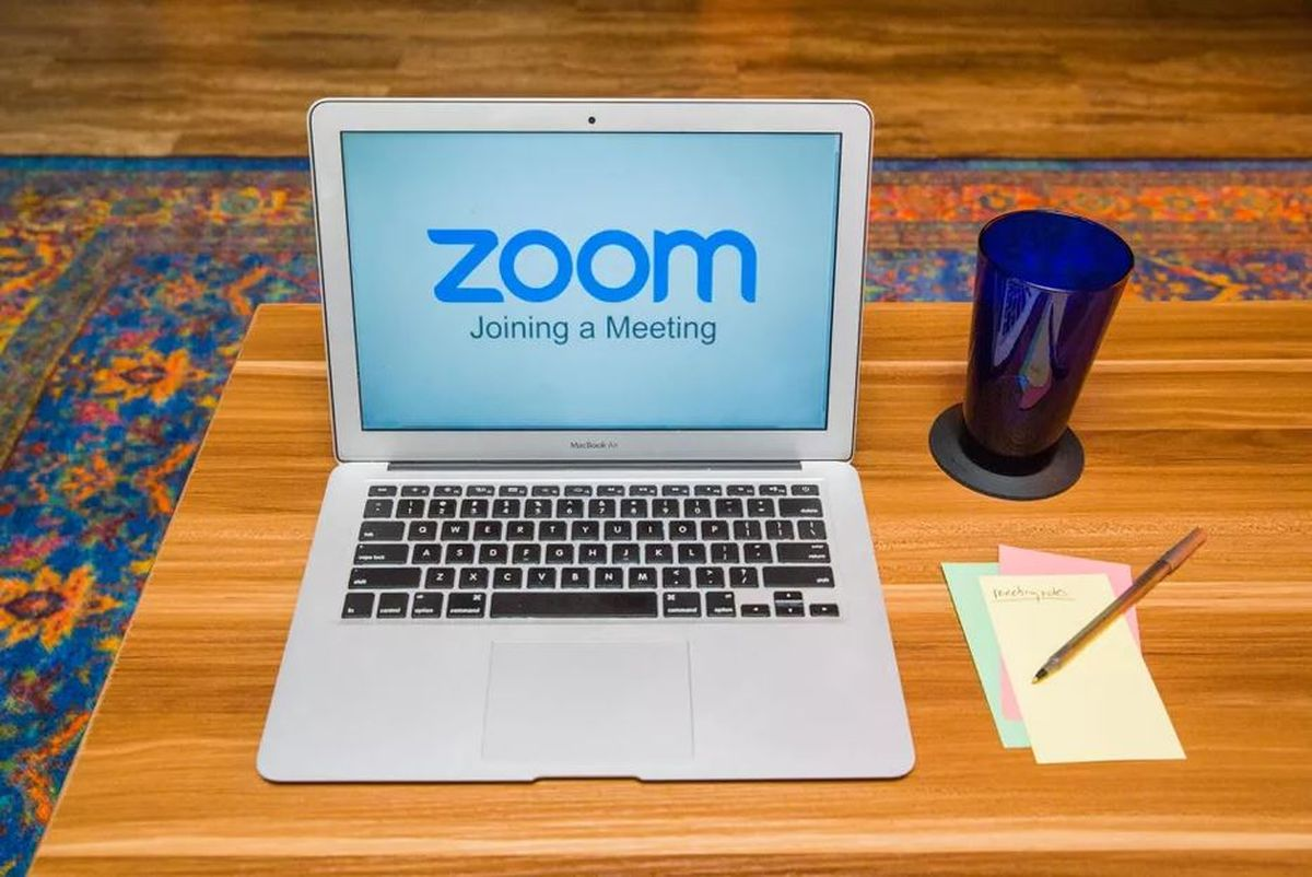 Zoom adds effects to change your appearance in video calls