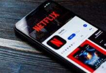 TikTok comes to Netflix short humorous videos in its new feature Fast Laughs