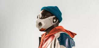 A mask with a headset, the latest from SpaceX suit designer