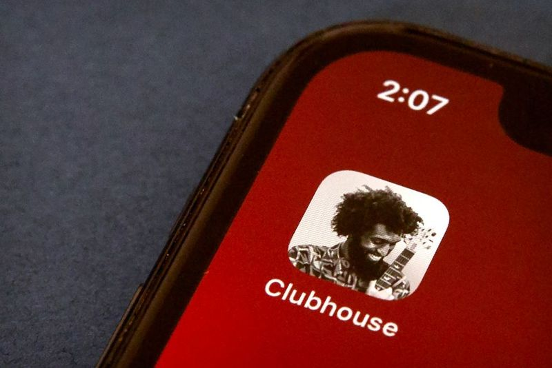 Reddit also works on clubhouse-style audio rooms