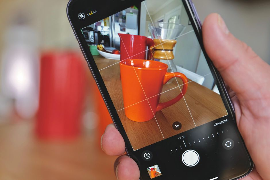 How to fix iPhone black screen camera issue?
