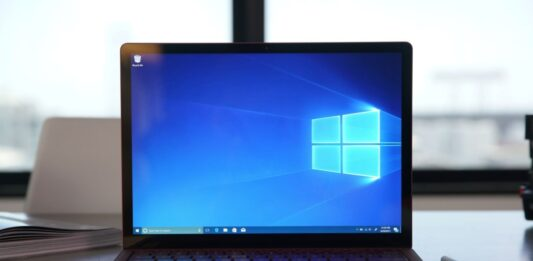 How to download Windows 10 21H1 ISO before anyone else?