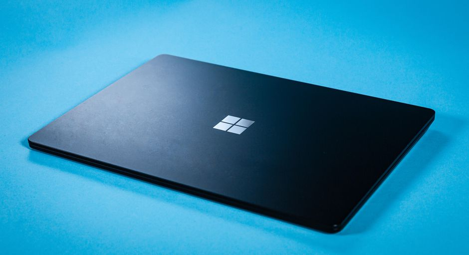 How to download the Windows 10 May 2021 (21H1) update ISO?
