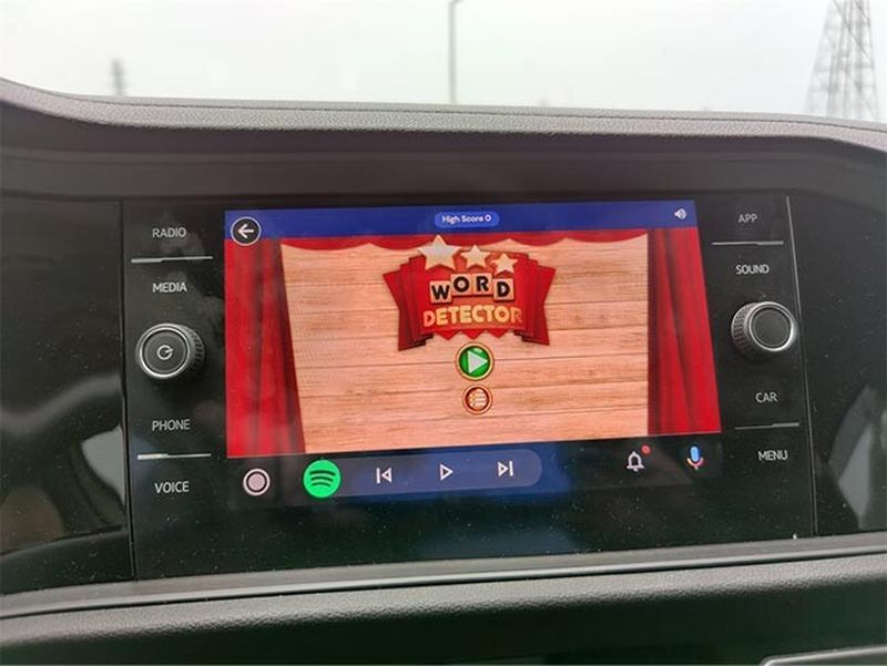 Mini-games on Android Auto: Google tests bringing 'GameSnacks' games to the car