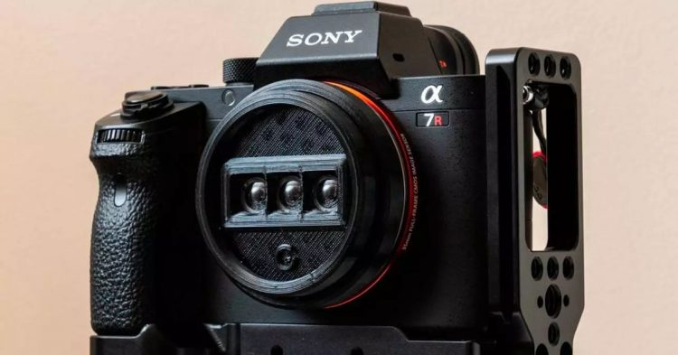 The first 3D lens is compatible with all SLR cameras