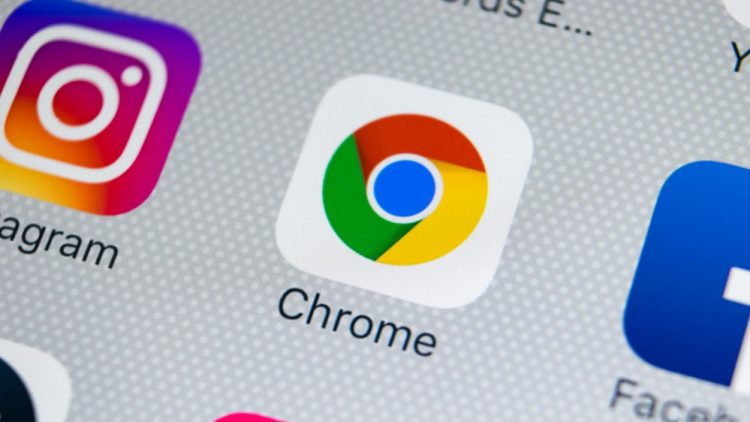 What is and how does the panic button in Chrome work?