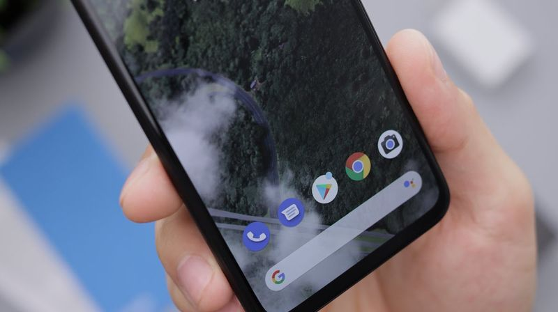 Android 12 will make it easier to save images to mobile from any app