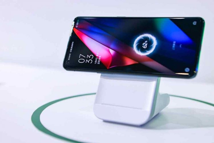 This is Oppo's new magnetic wireless charging system