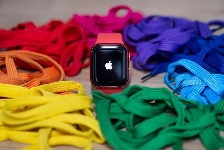 Smartwatch sales grow 27% with Apple Watch leading the way