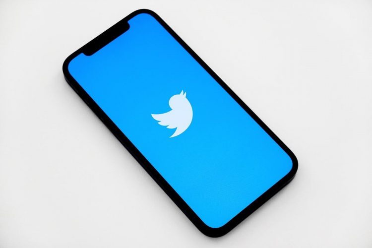 Twitter tests new system for reporting tweets to combat with misinformation