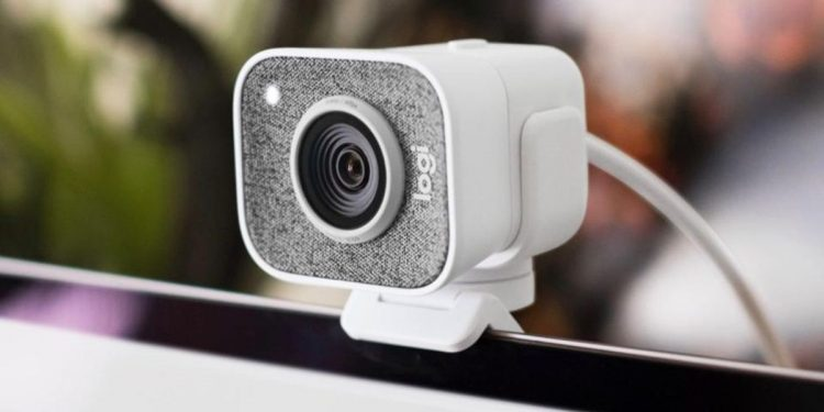 How to turn your webcam into a camera?
