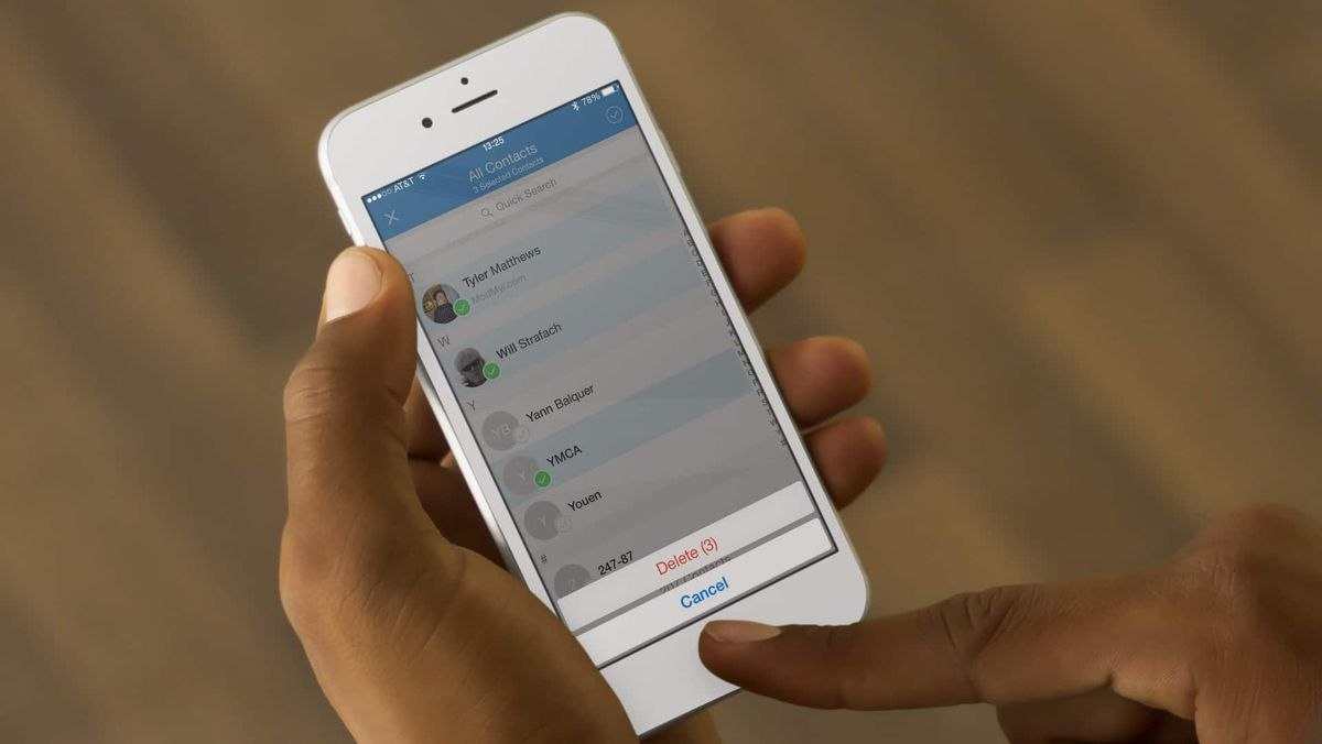 How to delete contacts on iPhone?
