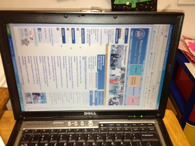 How to rotate laptop screen in Windows?