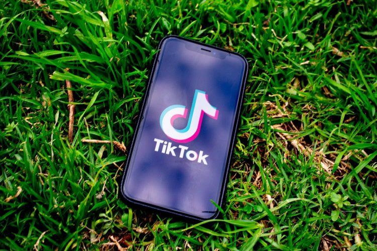 How to remove TikTok red filter in videos?