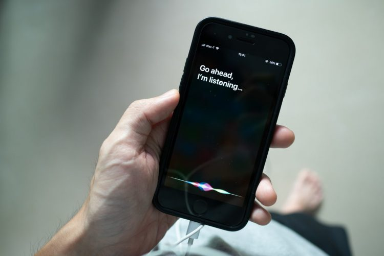 Siri privacy lawsuit vs Apple: Should voice assistants know your personal business?
