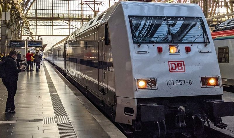 The world's first automated train presented in Germany