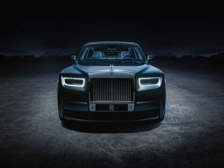 Rolls-Royce will only manufacture electric cars starting from 2030